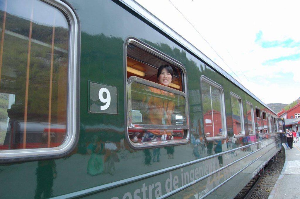 「世界で最も美しい鉄道の旅」と言われるノルウェー・フロム鉄道