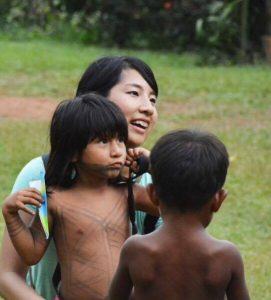 地球一周中、パナマの先住民の村で