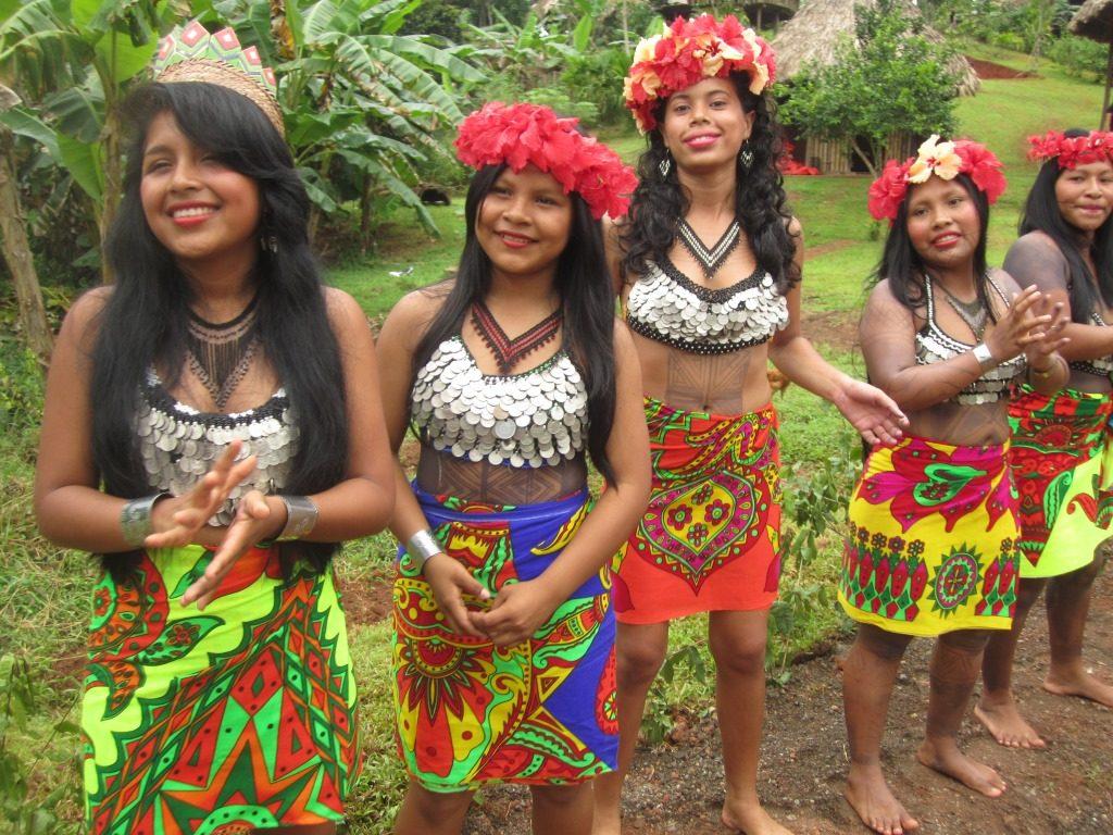 パナマ先住民族の文化体験